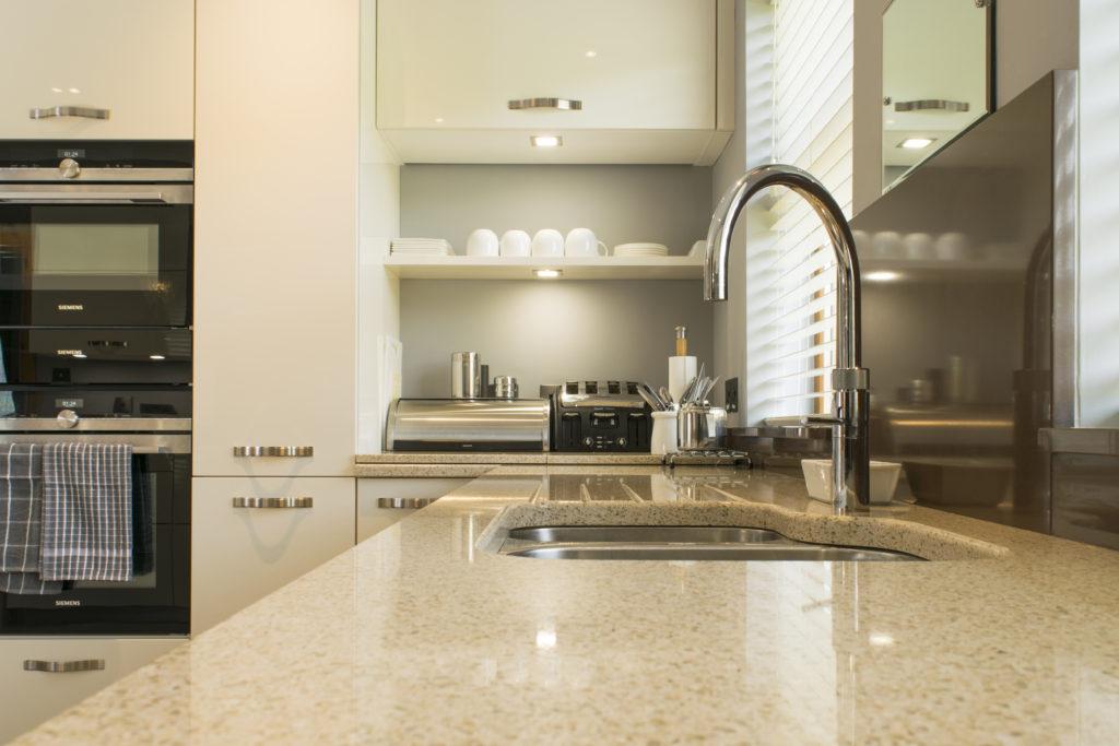 Cream-gloss-kitchen-Newtownards-3-1024x683