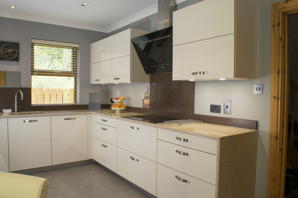 Cream-gloss-kitchen-Newtownards-9-1024x683